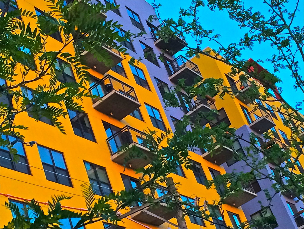 orange:blue apts